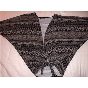Sweaters - Patterned Caridigan
